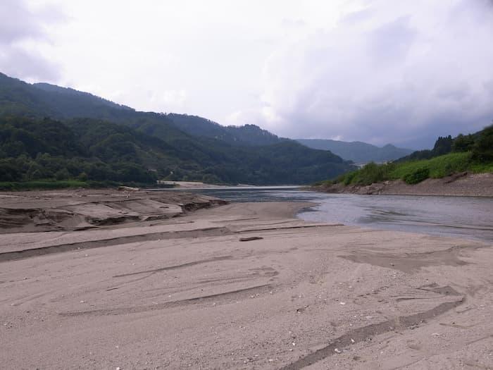 寒河江ダムのバックウォーター