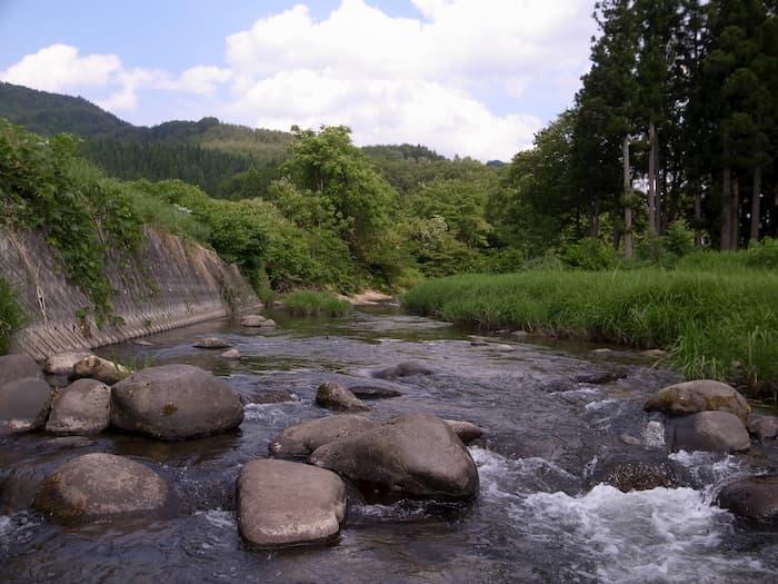 里川の渓相