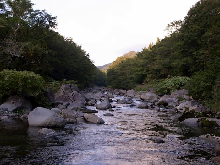 日向川の渓相