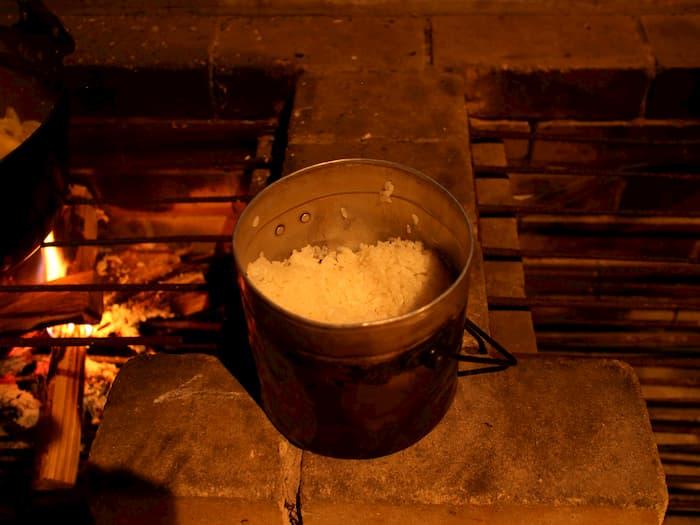 飯盒で炊いたご飯