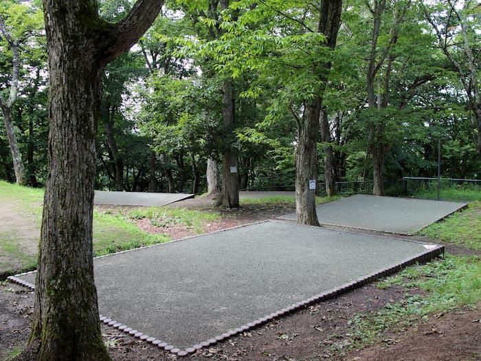 キャンプサイトの区画