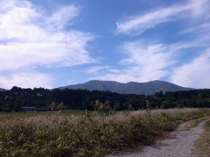 青空と変な雲