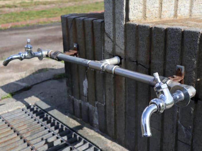 最上川中山緑地の水道