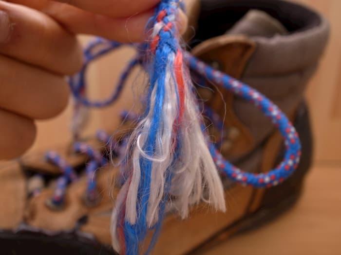 ほつれたロープ