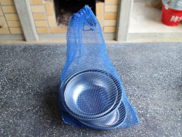 皿をネットに収納